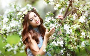 Brown-hair-girl-apple-tree-white-flowers-blossom_1920x1200_wallpaper