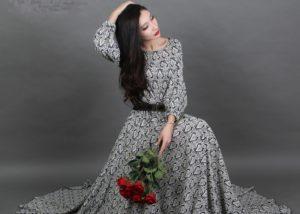 Необходимость платья для девушки