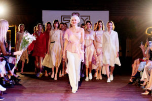 Изысканные корейские мотивы и женственность - одежда от дизайнера Sonya Krees